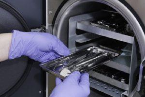 tiệt trùng các dụng cụ y tế để có thể tái sử dụng